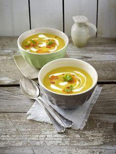 Unser beliebtes Rezept für Möhren-Süßkartoffel-Suppe und mehr als 55.000 weitere kostenlose Rezepte auf LECKER.de.