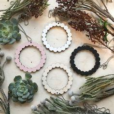 Onneli kaulakoru | Weecos Grapevine Wreath, Grape Vines, Beaded Necklace, Wreaths, Jewelry, Home Decor, Beaded Collar, Jewlery, Decoration Home