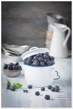 Summer Blueberries | TeenieCakes.com #foodphotography #summer #stilllife