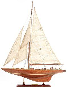 Drewniany model jachtu, model słynnego jachtu regatowego z drewna, Morski wystrój wnętrz, żeglarskie dekoracje, nautyczne dodatki, marynistyczne dekoracje, drewniany model jachtu, żeglarski prezent, pamiątkowa marynistyczna dekoracja, morski wystrój wnętrz, żeglarskie dodatki, morskie upominki, żeglarski styl, prezent dla Żeglarza, marynistyczny upominek     _  Marynistyka.org, ⛵ Marynistyka.pl, ⚓ Marynistyka.waw.pl 👍 Sklep.marynistyka.org ⚓