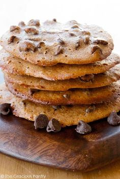 Clean Eating Spelt Chocolate Chip Cookies Recipe ~ https://www.thegraciouspantry.com