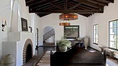 Living Room in Diane Keaton, Spanish Colonial by Stephen Shadley Designs on Spanish House, Spanish Colonial, Spanish Style, Spanish Modern, Spanish Revival, Top Interior Designers, Home Interior Design, Room Interior, Beverly Hills Houses