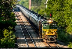 RailPictures.Net Photo: NS 1068 Norfolk Southern EMD SD70ACe at Milwaukee, Wisconsin by Adam Wells