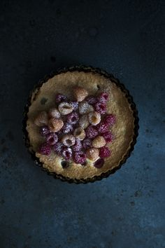 #food styling Berry Pie. #stylelab Very simple but the top of the cake is so interesting doesn't need anything else