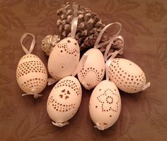 of gingerbread, easter eggs, wire artwork, decoration objects on … - Craft Faberge Eggs, Egg Art, Easter Eggs, Gingerbread, Projects To Try, Carving, Diy Crafts, Candles, Ceramics