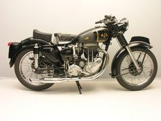 Vintage Motorcycles AJS 500 cc 1952 - List of motorcycles of the - Wikipedia Ajs Motorcycles, European Motorcycles, Antique Motorcycles, Classic Motors, Classic Bikes, Classic Cars, Classic Motorcycle, Vintage Bikes, Vintage Cars