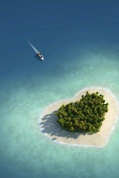 Tiny Heart Shaped Island In Fiji Known as Tavarua -