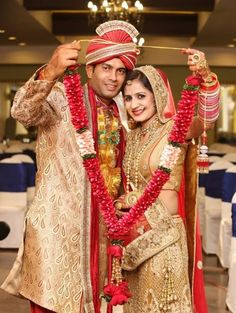 """Photo from album """"Wedding photography"""" posted by photographer FX Photography Indian Bridal Photos, Indian Wedding Poses, Indian Wedding Outfits, Indian Weddings, Indian Wedding Receptions, Asian Bridal, Couple Wedding Dress, Wedding Couple Photos, Wedding Couples"""