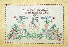 Eu iubitul... Bullet Journal, Sweet Kisses, Stitches, Wall, Fabric Crafts, Toddler Girls, Craft, Tejidos, Fleas
