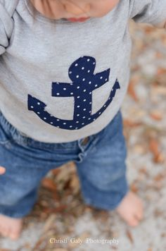 Baby Boys Clothing // Heather Grey Onesie with a Navy Anchor Applique // Size 0-3 months // Polka Dot Anchor