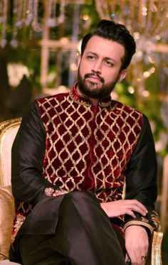 Atif Aslam, Muslim Dress, Favorite Person, The Voice, Bollywood, Actors, Singers, Celebrities, Heart