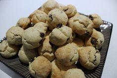 Rock cakes 250g butter, room temperature 200g raw sugar 2 eggs 1 tsp vanilla paste or extract 3 cups SR Flour 300g sultanas 3 tsp cinnamon