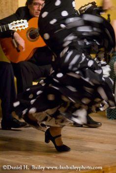 Flamenco dancer's llamada