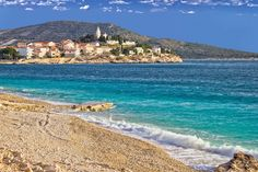 Primosten, sur une presqu'île rocheuse : 50 villes côtières de charme en Europe - Linternaute