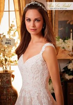 157ddfae99fc 21 Best Curvey Brides images | Alon livne wedding dresses, Designer ...