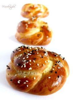 Macikonyha: Acma, puha török zsemle - török ételek Challa Bread, Pizza Pastry, Hungarian Recipes, Hungarian Food, Challah, Bread Baking, Bakery, Food And Drink, Sweets