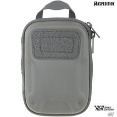 The MRZ Everyday Organizer is most noted for its custom molded semi-rigid front face. This semi-rigid component allows extra protection for your personal belongings inside. www.Maxpedition.com Molle Attachments, Military Gear, Survival Prepping, Everyday Carry, Tactical Gear, Edc, Product Launch, Pouch, Organization