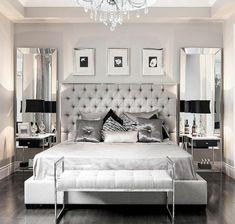zwei Spiegel an den beiden Seiten des Bettes, graue Kissen   Schlafzimmer grau