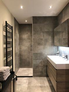 Bathroom Design Luxury, Bathroom Design Small, Bathroom Renos, Bathroom Renovations, Upstairs Bathrooms, Master Bathroom, Warehouse Living, Modern Farmhouse Bathroom, Home Room Design