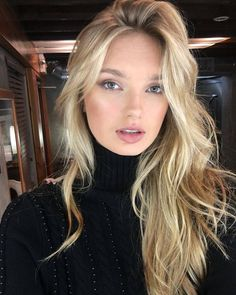 The 74 Hottest Blonde Hair Looks to Copy This Summer Hair Inspo, Hair Inspiration, Blonde Hair Looks, Thin Blonde Hair, Corte Y Color, Hot Hair Styles, Hot Blondes, Balayage Hair, Cool Hairstyles