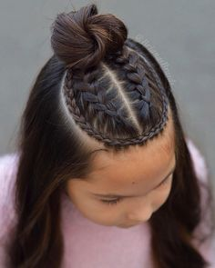 28 Amazing Braids Models and Hairstyles for Girls We chose amazing braids and hairstyles for your girl. Your daughter will be very happy when you apply one or more of. Cute Hairstyles For Teens, Cool Braid Hairstyles, Easy Hairstyles For Long Hair, Baddie Hairstyles, Braids For Long Hair, Girl Hairstyles, Summer Hairstyles, Baby Hair Cut Style, Curly Hair Styles