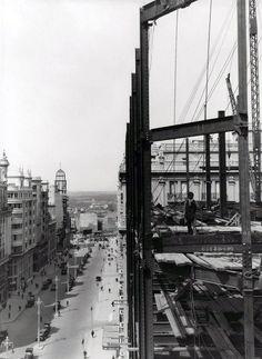 construcción edificio telefónica, 1927; callao, al fondo de la imagen