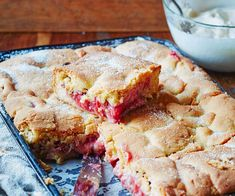 Nici Wickes& shares her nana& shortcake recipe that has been passed down through her family. Perfect served warm or cooled with whipped cream, the combo of strawberry and rhubarb is startlingly good! Apple Shortcake, Blueberry Shortcake, Shortcake Recipe, Kiwi Recipes, Strawberry Recipes, Apple Recipes, Dessert Recipes, Desserts, Dessert Bars