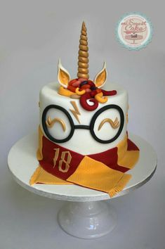 misweetcake ♥ Cake Design: Unicorn Harry Potter Cake / Unicorn Cake Harry P . Bolo Harry Potter, Gateau Harry Potter, Harry Potter Birthday Cake, Harry Potter Food, Harry Potter Theme, Harry Potter Things, Harry Potter Party Games, Harry Potter Cupcakes, Chocolate Decorations