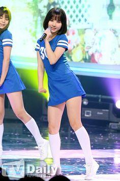 Kpop Girl Groups, Korean Girl Groups, Kpop Girls, Kpop Outfits, Cute Outfits, Korean Beauty, Asian Beauty, Long White Socks, Asian Woman