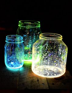 Star Jars!  A quick and easy DIY for these fun little lanterns.