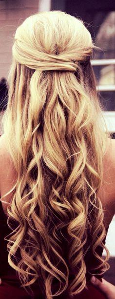 100+ Gorgeous Half Up Half Down Hairstyles Ideas https://femaline.com/2017/05/18/100-gorgeous-half-up-half-down-hairstyles-ideas/
