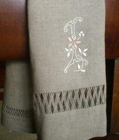 toalha linho bordada