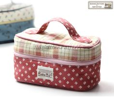 Zippered bag sewing pattern, little bucket, cosmetic bag -- PDF pattern -- download in email box