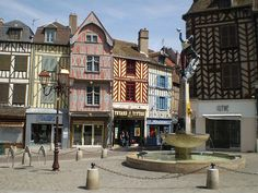 Auxerre on pinterest burgundy france and sons for Piscine d auxerre