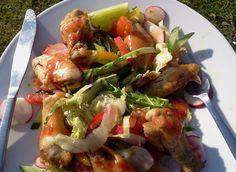 Lav en vidunderlig kyllingesalat til dig selv eller dine gæster. Med en vidunderlig kyllingesalat får du et dejligt måltid.