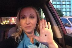 If you see a person who has a black dot on the palm, you should call the police immediately. The black dot means that this person is in trouble. We Are The World, In This World, Just In Case, Just For You, Thats The Way, Faith In Humanity, Black Dots, Domestic Violence, Things To Know