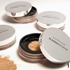 bareMinerals Blemish Remedy Mineral Foundation All Skin Types - Clearly Silk 6g