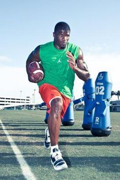 Build a Football Body With the Andre Johnson Workout  Get power and explosiveness with the same off-season regimen the Houston Texans wide receiver uses to get ready for game time.