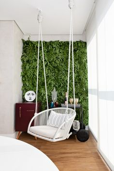 Swing Chair For Bedroom, Swinging Chair, Small Balcony Design, Small Balcony Decor, Tiny Living Rooms, Indian Living Rooms, Apartment Balcony Decorating, Diy Apartment Decor, Teen Room Decor