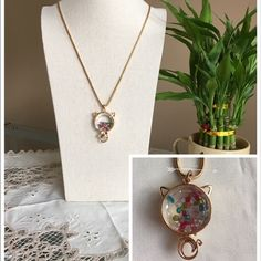 Cat Austria crystal sweater necklace It 's new! Cute cat! Crystal diamond particles will be moving. Gold color necklace never fade! Jewelry Necklaces