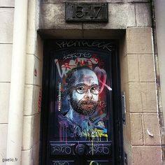 Portrait de Cédric Herrou condamné à plusieurs reprises en 2017 pour avoir aidé des migrants à franchir la frontière franco-italienne 2017 Paris Bastille #art by #C215 #welcomerefugees #cedricherrou #parisstreetart #graffiti #streetartparis