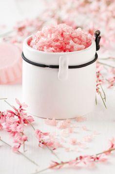 scrub sale rosa Himalayan Salt Bath, Bath Salts, Spa Day, Body Scrub, Scrubs, Pink, Beauty, Wall Collage, Massage