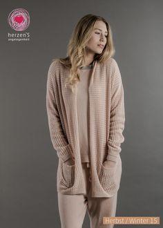 6153-1021 the best sporty outfit is here, enjoying cashmere <3 #cashmere #sweater #sportfashion #herzens #herzensangelegenheit