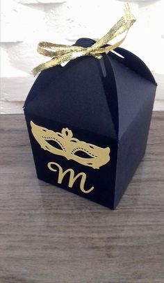 Caixa baile de mascara Masquerade Wedding, Sweet 16 Masquerade, Masquerade Theme, Masquerade Ball, 15th Birthday, Birthday Bash, Quinceanera Dresses, Carnival Invitations, Party Invitations