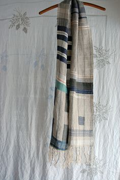 Susan Johnson (Avalanche Looms): up north -- handwoven scarf Weaving Textiles, Weaving Art, Tapestry Weaving, Loom Weaving, Hand Weaving, Loom Scarf, Woven Scarves, Scarf Design, Textile Artists