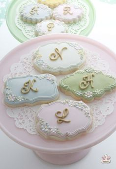 Aren't these lovely?  From the Blog:  Sweetopia.  lettered cookies  sweetopia