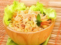 Receita de Salada de maçã, cenoura e repolho - Tudo Gostoso