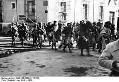 Spain - 1936. - GC - Moroccan troops leave Leganés, on the outskirts of Madrid.