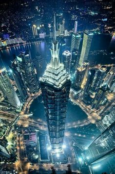 Dubai, skyline in great perspective. I'm sure you want to visit it now.