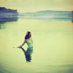 lady in the lake @Rachel Melvold this would be a pretty awesome shoot at the lake this summer